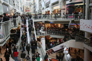 shopping chaos on black friday